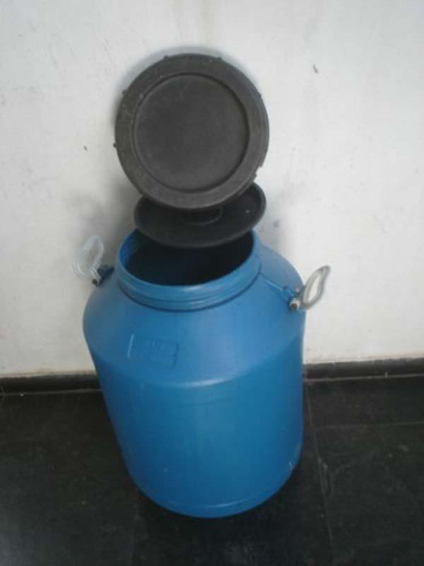 Coleta de oleo de cozinha usado em condominio