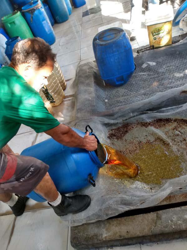 Empresa de coleta de óleo vegetal